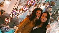 "<p>""<em>Love her with all my heart</em>,"" tulis Naysila Mirdad ditujukan untuk sang bunda, Lydia Kandou. (Foto: Instagram @naymirdad)</p>"