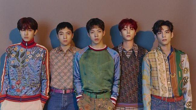 Setelah setahun tanpa karya, boyband DAY6 kembali dengan merilis album bertajuk The Book Of Us : Negentropy.