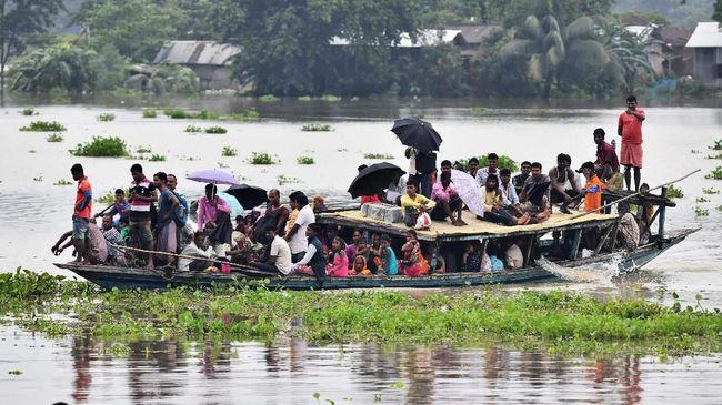 Hujan muson yang menerjang wilayah timur India mengakibatkan 139 orang tewas. Banjir menggenangi area rumah sakit dan juga sekolah.