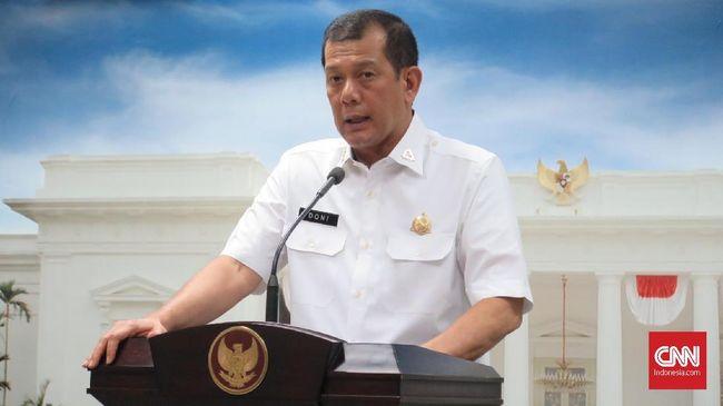 Kepala Badan Nasional Penanggulangan Bencana (BNPB) Letnan Jenderal Doni Monardo mengatakan mendapat permintaan dari sejumlah kepala daerah yang wilayahnya mengalami kekeringan untuk membuat hujan buatan, di Kantor Presiden, Kompleks Istana Kepresidenan Jakarta, Senin (15/7).
