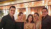 <div>Senantiasa berdua ke mana pun, termasuk saat menghadiri sebuah acara. (Foto: Instagram/ @teuku.rian)</div><div></div>