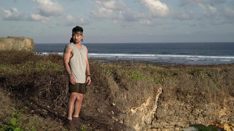 Denny menjelajahi beberapa tempat di antaranyaAir Terjun Wai Marang. Ia mendapatkan misi untuk menemukan beberapa mata air yang ada di Sumba.