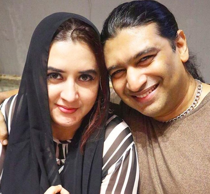 <p>Pedangdut Ashraff sering membagikan kebersamaan bersama sang istri, Fadia A Rafiq yang juga merupakan anak dari almarhum A Rafiq. (Foto: Instagram @ashraff_abu)</p>