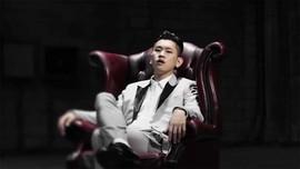 Rapper Crush Mulai Jalani Wajib Militer Hari Ini