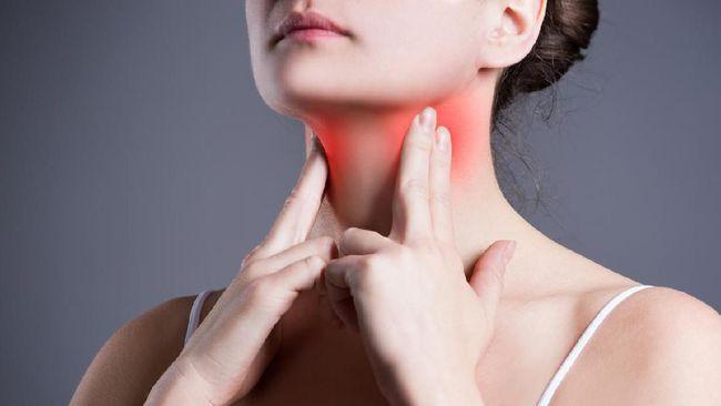 Pasien dengan gangguan tiroid umumnya datang dengan dua jenis keluhan berupa benjolan atau kadar hormon yang tidak normal.