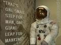 VIDEO: Baju yang Dipakai Neil Armstrong ke Bulan Dipamerkan