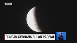 VIDEO: Puncak Gerhana Bulan Parsial