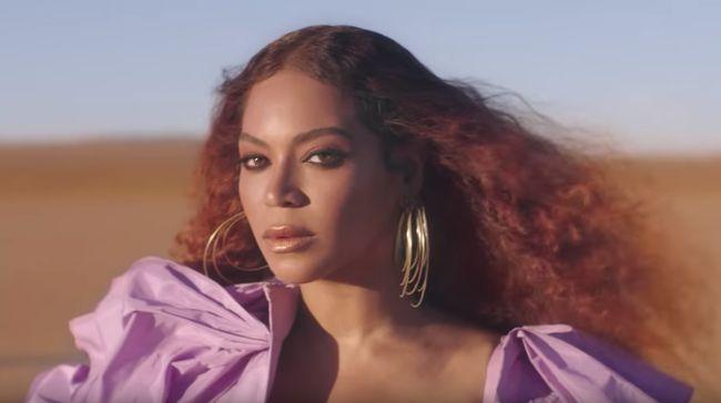 Para selebritas Hollywood, mulai dari Beyonce hingga Gigi Hadid, berlomba memamerkan foto setelah menggunakan hak suara dalam pemilihan umum presiden AS.