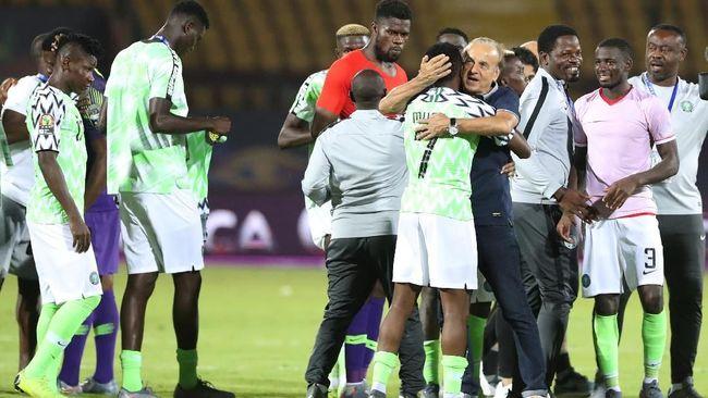 Tim sepak bola Nigeria menempati peringkat ketiga dalam perebutan Piala Afrika 2019 usai mengalahkan Tunisia dengan skor 1-0 pada Kamis dini hari (18/7)
