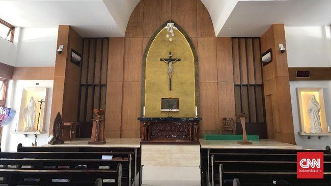 Pengurus Gereja Hati Kudus Yesus di Jonggol, Jawa Barat, membantah usaha mendirikan gereja selama 42 tahun. Pembangunan gereja disebutnya baru mulai 2009.