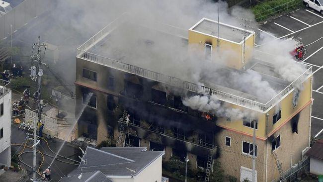 Sebanyak 13 orang diduga tewas dan puluhan lainnya luka-luka akibat kebakaran sebuah studio animasi di Jepang, Kamis (18/7).