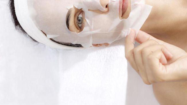 Kondisi kulit yang tak sehat ditandai dengan warna kulit yang tidak rata, lelah, muram dan tak berseri. Tanda-tanda kulit kusam ini harus segera diatasi.