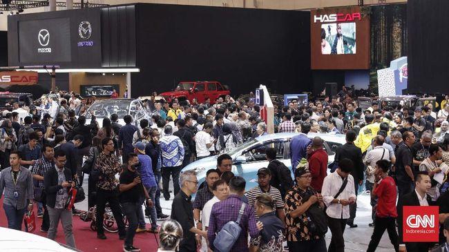 Menurut Ketua Umum Gaikindo Yohannes Nangoi usulan tersebut dapat meningkatkan penjualan mobil dalam negeri yang anjlok imbas Covid-19.