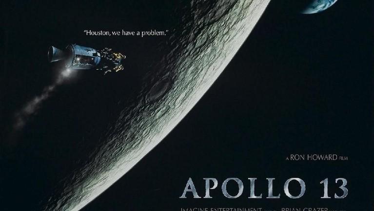 Apollo 13 (1995). Film yang dirilis pada 22 Juni ini menceritakan kejadian dramatis dari misi Apollo 13 yang terjadi pada 1970 silam. Apollo 13 juga telah meraih sebanyak 2 piala Oscars.