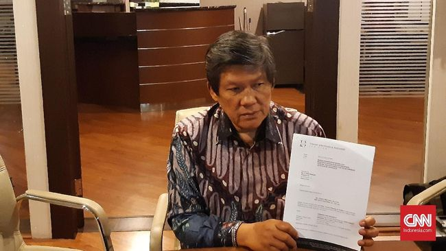 Kuasa hukum korban melayangkan gugatan perdata ke JIS karena terpidana dinilai mengakui kesalahannya sebagai syarat mendapatkan grasi dari Jokowi.