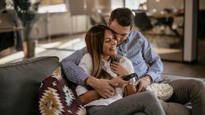 15 Ucapan Manis dari Suami yang Bikin Istri Merasa Spesial