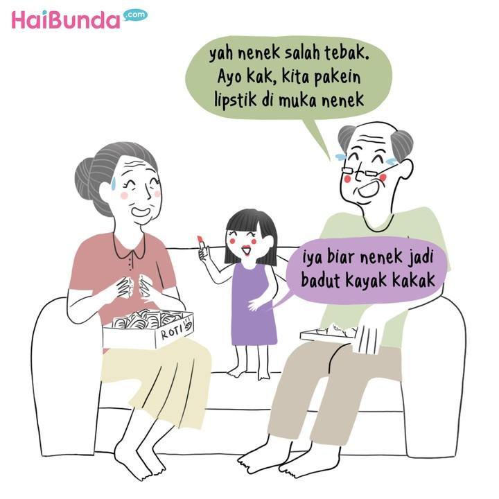 Roti isi jadi 'mainan' seru kakak dan kakek-neneknya di komik ini. Nah, apa hal seru yang pernah si kecil lakukan dengan kakek-nenek, Bun? Share yuk.