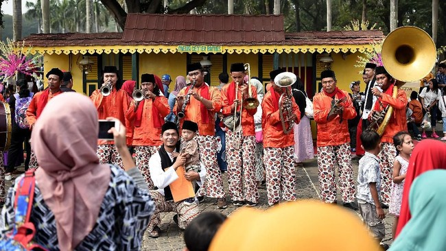Untuk kali ke-12, Lebaran Betawi digelar di Jakarta dengan menampilkan berbagai kebudayaan, mulai dari kesenian hingga kuliner.