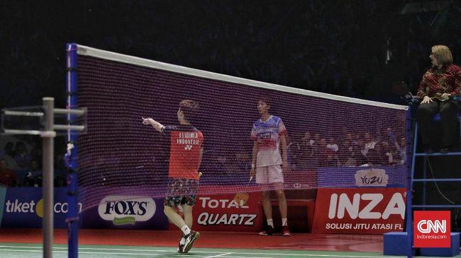 Duel Kevin Sanjaya Sukamuljo/Marcus Fernaldi Gideon lawan Li Junhui/Liu Yuchen sempat diwarnai adu mulut antara Kevin dengan Liu di interval gim kedua.
