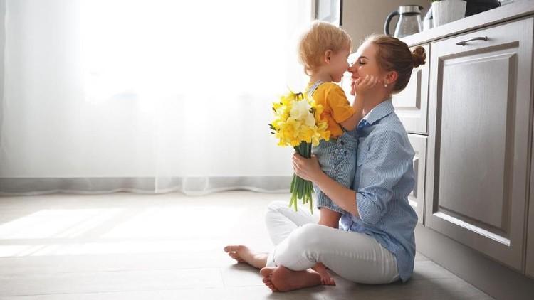 Setiap anak pada dasarnya punya hal yang bisa jadi kebanggaan orang tuanya.
