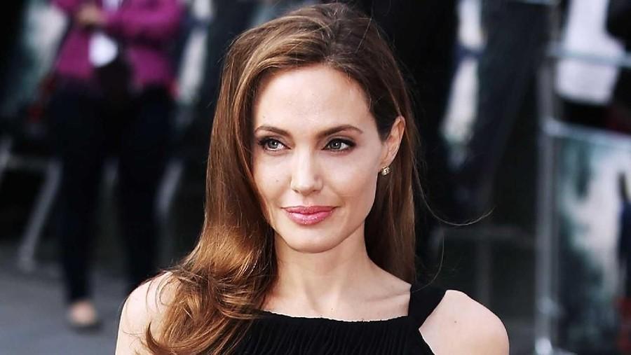 Cerita Anak Pertama Angelina Jolie Diterima Kuliah di Korsel