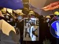 Polisi Hong Kong Serbu Kampus yang Diduduki Demonstran