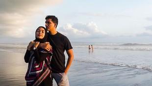 7 Ucapan Manis nan Menggelitik Sang Suami untuk Tantri 'Kotak'