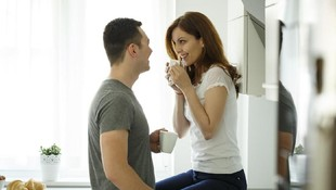 3 Posisi Seks Berdiri yang Bantu Usir Kejenuhan Bercinta