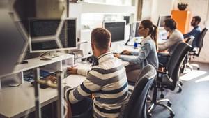 Cara Aman Jaga Diri dari Virus Corona Saat Kerja di Kantor