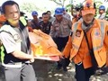 VIDEO: Proses Evakuasi Korban Tewas Cessna Jatuh di Indramayu