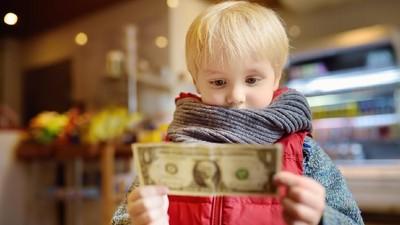 HaiBunda Happy Hour: Selain Uang, Berikan Si Kecil Hadiah Apa Ya?