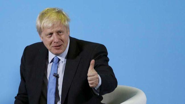 Johnson merupakan PM Inggris pertama yang tinggal bersama pasangannya di Downing Street No 10 dengan status belum menikah.