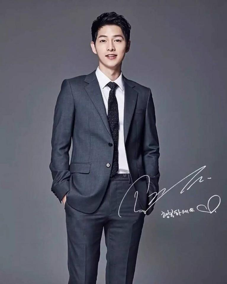 LewatDescendants of the Sun itu pun Song Joong Ki akhirnya jatuh hati dengan Song Hye Kyo dan menikah pada Oktober 2017.