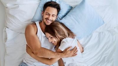 Posisi Seks untuk Suami Istri yang Suka Mencoba Sensasi Baru