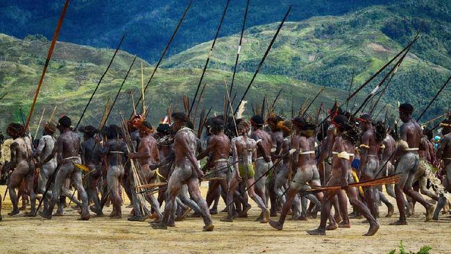 Festival budaya tertua di Papua, Festival Lembah Baliem telah ada sejak 30 tahun lalu. Tapi baru kali ini ada menteri yang datang ke acara di Jayawijaya itu.