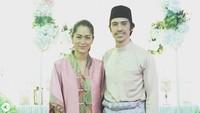 Pada 2016 lalu, perempuan yang biasa disapa Phia ini menikah dengan Iedil yang asli Malaysia. Pada beberapa momen, nampak dia mengenakan baju kurung yang kental dengan adat Melayu. (Foto: Instagram @prisia)