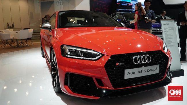 Perusahaan otomotif Audi  akan mengurangi 7.500 tenaga kerja karena fokus pada pengembangan mobil listrik.