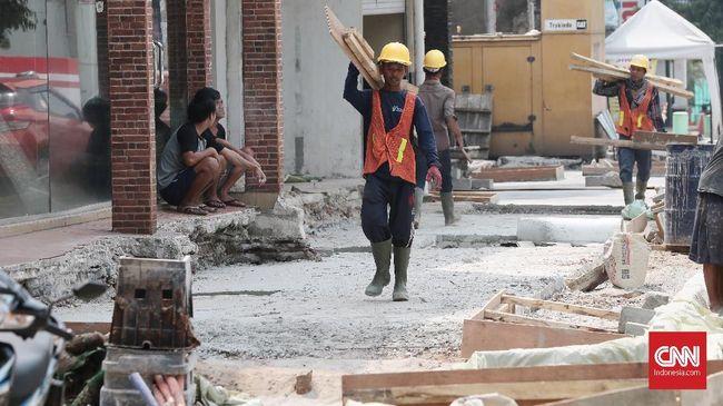 Pemprov DKI menganggarkan Rp300 miliar untuk melanjutkan proyek revitalisasi trotoar pada 2020.