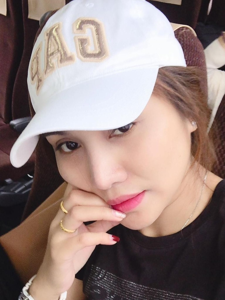 Kamis (25/7) Areeya mengunggah sebuah foto dirinya yang tengah berada di dalam pesawat menuju Bandara Narita, Jepang.
