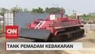 VIDEO: Tangguhnya Tank Pemadam Kebakaran