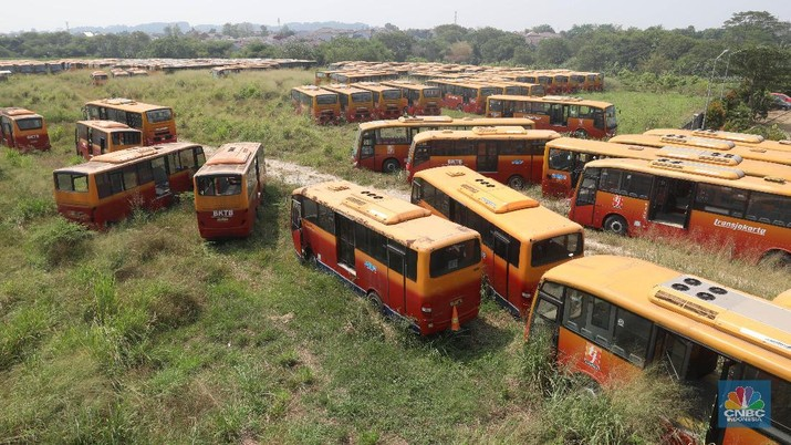 Ada Uang DKI Rp110 M di antara 'Kuburan' Bus TransJakarta