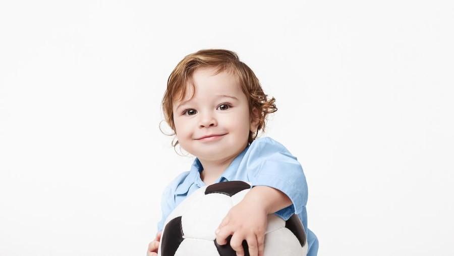 30 Nama Bayi Laki-laki dengan Arti Anugerah