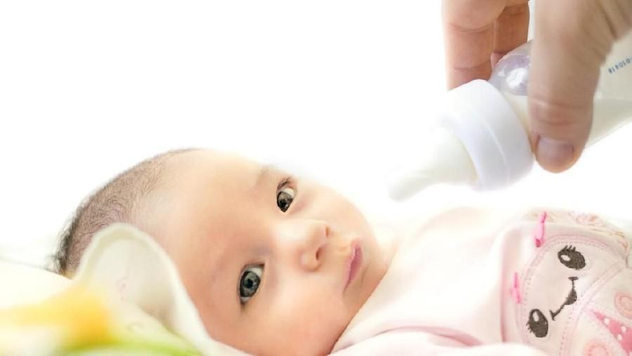 Pemberian ASI Perah Bikin Bayi Menolak Menyusu di Payudara?