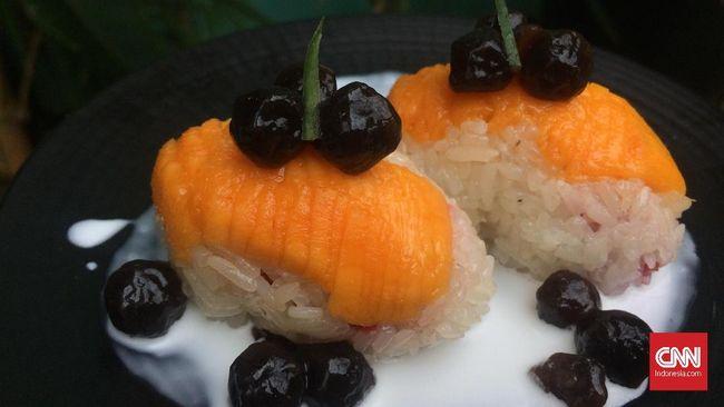 Demam boba masih terus berlanjut. Setelah minuman dan pancake yang 'infeksi' dengan boba, kini giliran sushi dan salad yang dikawinkan dengan boba.