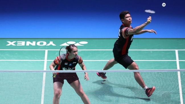 Empat wakil Indonesia berhasil melangkah ke final Japan Open 2019 melalui dua wakil dari ganda putra, tunggal putra, dan ganda campuran.