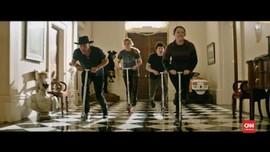 VIDEO: Emma Stone Bertahan Hidup di 'Zombieland 2'