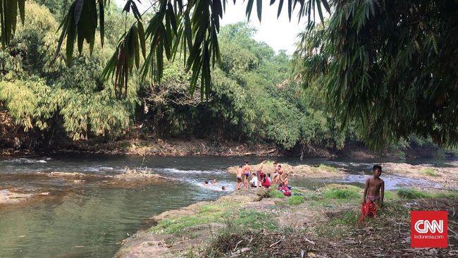 Melihat Sungai Ciliwung di Depok seakan membawa imaji tentang 'sosok' sungai yang bersahaja.