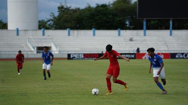 Timnas Indonesia U-15 gagal melangkah ke final Piala AFF U-15 2019 usai dikalahkan Thailand 0-2 di Stadion IPE 1, Chonburi, Thailand, Rabu (7/8).
