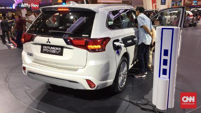 Mitsubishi Tak Terbuka Soal Penjualan Outlander PHEV