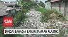 VIDEO: Sungai Bahagia Banjir Sampah Plastik